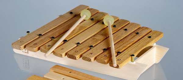 References robinier akatz exemples de chantier acacia for Construction xylophone bois