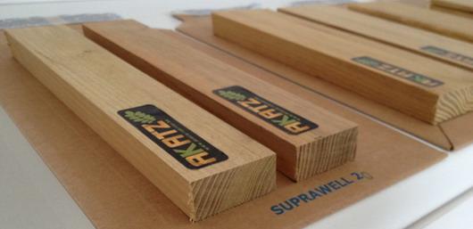 echantillons de bois de robinier et de bois d 39 acacia akatz ou commander un chantillon de. Black Bedroom Furniture Sets. Home Design Ideas