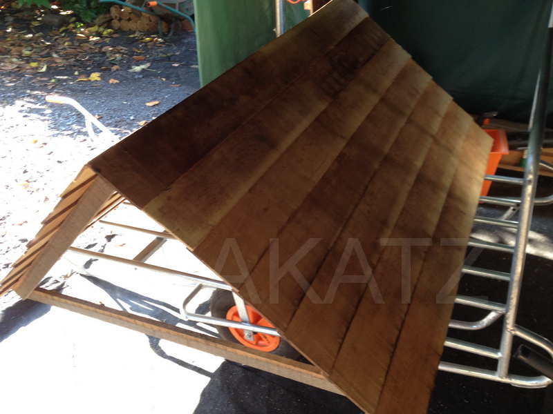 tuiles en bois de robinier acacia bardeau tavaillons shingels en bois. Black Bedroom Furniture Sets. Home Design Ideas