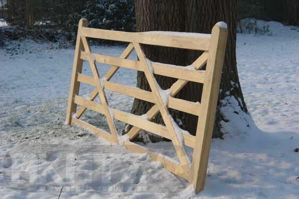 cl ture bois pour chevaux belgique. Black Bedroom Furniture Sets. Home Design Ideas