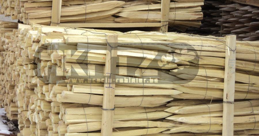 piquet en acacia pour vignoble bordeaux tuteurs piquets fendus pour vigne tuteur tomate. Black Bedroom Furniture Sets. Home Design Ideas